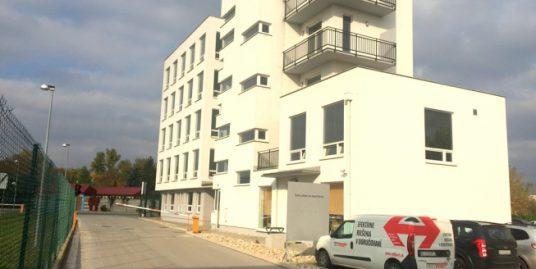 """Kancelárske priestory štandardu """"B"""" v administratívnej budove Bojnická"""